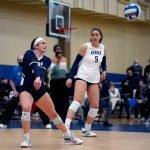 ¿Cómo se divide el voleibol universitario en USA?